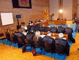 Juicio civil por el accidente del Yak-42, en la Feria de Muestras de Zaragoza. (Foto: EFE)