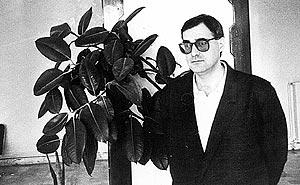 'Antxon' durante su estancia en Argel en 1989. (Foto: ELMUNDO)