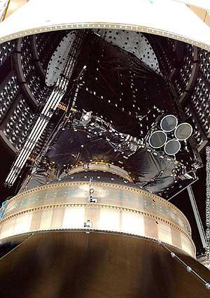 El 'Spainsat', ya montado en el cohete Ariane 5. (Foto: ESA)