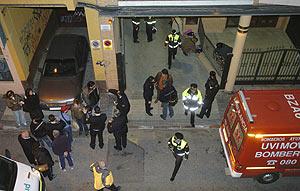 Unidades de la Policía, en el lugar del atentado el día 6 de febrero. (Foto: EFE)