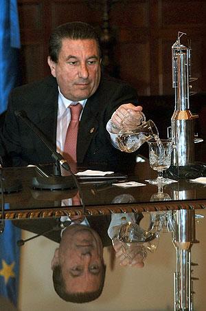 Paco Vázquez, embajador de España en el Vaticano. (Foto: EFE)