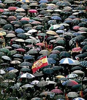Vista aérea de parte de la marcha. (Foto: Antonio Heredia)