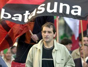 Imagen de archivo de abril de 2002 de Josu Ternera en un acto de Batasuna. (Foto: EFE)