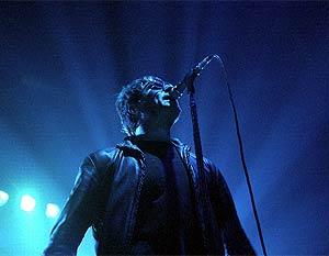 Liam Galagher, durante un concierto de Oasis el año pasado en Aqualung. (Foto: C. Barajas)