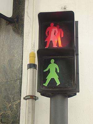 Uno de los semáforos 'femeninos' de Lugo. (Foto: Ayto. Lugo)