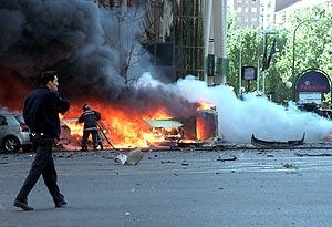 Imagen de la explosión en 2002. (Foto: Paco Toledo)