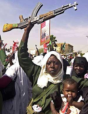 Manifestación para pedir la retirada de las tropas d ela ONU en Sudán. (Foto: AP)