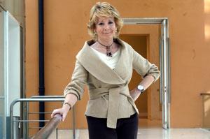 Esperanza Aguirre en la sede de la Comunidad de Madrid. (Foto: CARLOS MIRALLES)