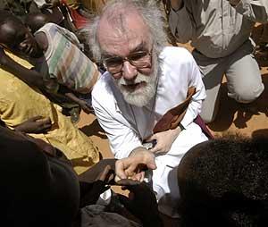 Rowan Williams, durante una reciente visita a Sudán. (Foto: REUTERS)