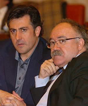 Josep Lluís Carod-Rovira (dcha.) y Joan Puigcercós. (Foto: EFE)