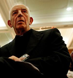 El sacerdote y mediador irlandés Alec Reid. (Foto: REUTERS)