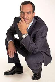 Santi Acosta, presentador de 'Salsa Rosa'. (Foto: EL MUNDO)