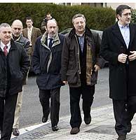 Miguel Buen , Rodolfo Ares , Alfredo Pérez Rubalcaba , José Blanco y Patxi López en un acto de homenaje a Enrique Casas. (Foto: C. García)