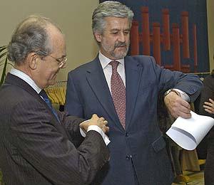 Manuel Marín (dcha.) e Ignacio Busqueras, de la Comisión de Racionalización de los Horarios. (Foto: Carlos Miralles)