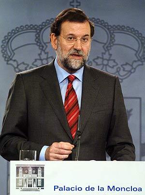 Rajoy, durante la rueda de prensa en Moncloa. (Foto: EFE)