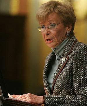 La vicepresidenta, durante su comparecencia. (Foto: EFE)