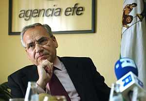 Alfonso Guerra, durante la entrevista. (EFE)