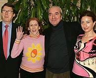 Presentación de la serie '¡Apaga la luz!', con las actrices Mariví Bilbao y Aurora Sánchez. (Foto: EFE)