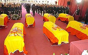 Funeral por los siete miembros del CNI muertos. (Foto: EFE)