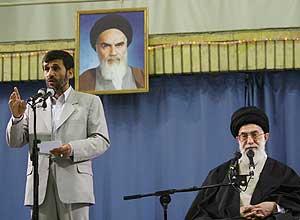 Mahmud Ahmadineyad y el Guía Supremo iraní, el ayatolá Alí Jamenei. (Foto: REUTERS)
