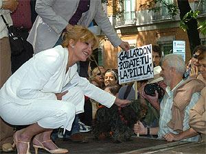 La baronesa Thyssen, durante la protesta del sábado. (EFE) MÁS FOTOS