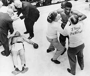 Patterson, tras noquear a Johansson en 1960. (Foto: AP)
