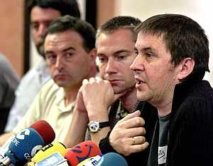 Arnaldo Otegi, durante la rueda de prensa. (Foto: EFE)