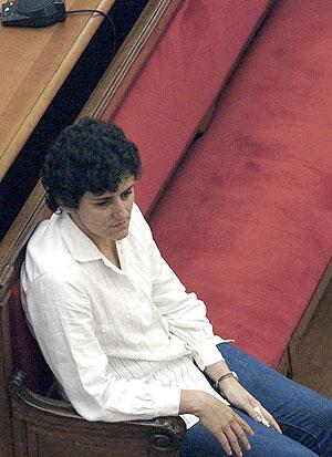 María Rosa M.A., la mujer acusada de haber ahogado a sus dos hijos en la bañera. (Foto: EFE)