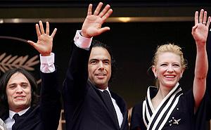 Gael García Bernal, Alejandro G. Iñárritu y Cate Blanchett. (Foto: AFP)