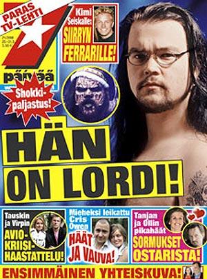 Portada de la revista, con la imagen del cantante, a la derecha.