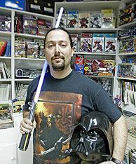 Señor Buebo, organizador del Día del Friki. (Foto: Antonio Heredia)