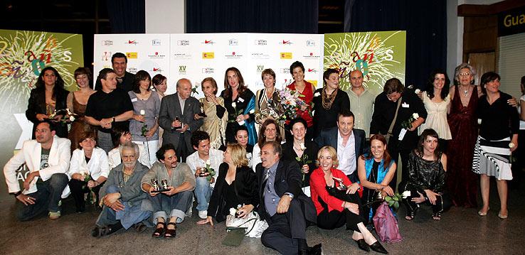 Foto de familia de los galardonados. (Foto: EFE)