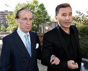 José María Ruiz-Mateos junto a su abogado el pasado mes de octubre. (Foto: EFE)