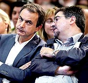 Zapatero junto a Eguiguren, el pasado mayo. (Foto: EFE)