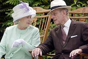 Isabel II de Inglaterra y su marido, Felipe de Edimburgo, en una imagen de archivo.