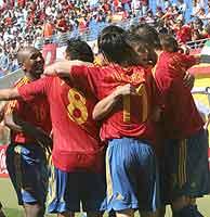 La selección española celebra uno de los cuatro goles marcados a Ucrania. (Foto: EFE)