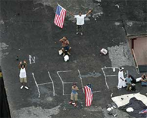 Víctimas del Katrina en Nueva Orleans. (Foto: David J. Phillip|AP, septiembre de 2005)