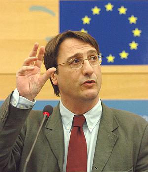 El eurodiputado socialista Claudio Fava, ponente de la investigación. (Foto: EFE)