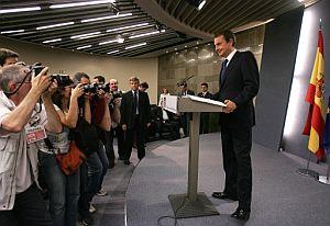 Zapatero, durante la comparecencia. (Foto: EFE)
