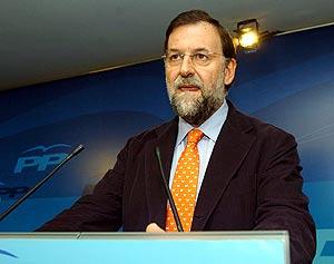 Rajoy durante su comparecencia. (Foto: EFE)