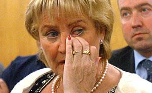 La madre del concejal asesinado, durante el juicio. (Foto: EFE)