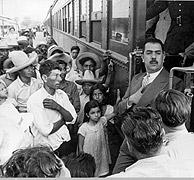 El presidente Lázaro Cárdenas (1934-1940) con niños. (Foto: EL MUNDO)