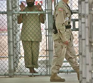 Uno de los detenidos en la prisión de máxima seguridad de Camp 5, en Guantánamo. (Foto: AP)
