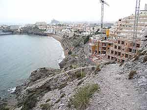 Construcción de viviendas en la bahía de Hornillos, en murcia. (Foto: Greenpeace)