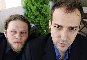 Rebella (dcha.) y Stoll, directores de 'Whisky'. (Foto: AFP)