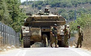 Soldados israelíes en la ciudad de Zarit cerca de la frontera con el Líbano.(Foto: EFE)