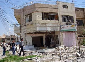 Lugar de la explosión en la zona comercial atacada. (Foto: AFP)
