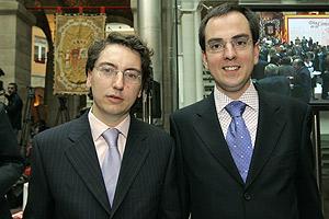 Javier Gómez y su pareja, Manuel Ródenas. (Foto: Ricardo Cases)