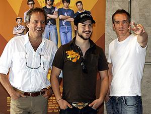 Jean-Marc Vallée junto a los actores Michel Cote y Marc-André Grondin. (Foto: EFE)