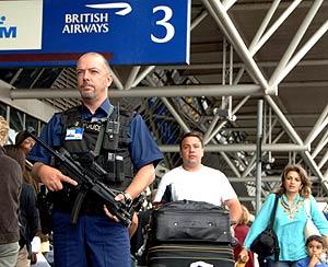Extrema vigilancia en el aeropuerto de Heathrow. (Foto: AP)